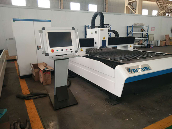 300W Fiber laser cutter 2mm laser cutting harga mesin stainless steel 1530 1325