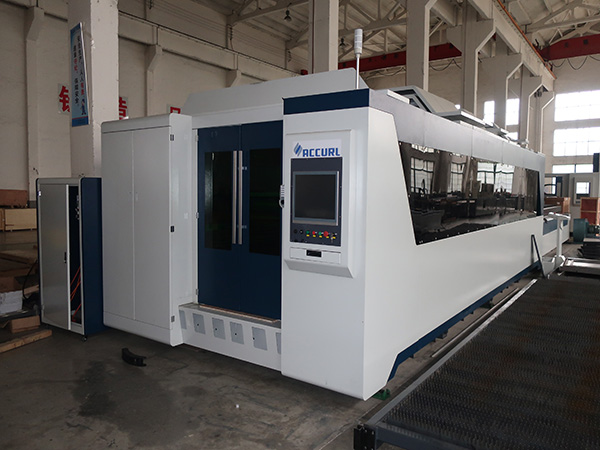 500W/1000W fiber laser cutting machine