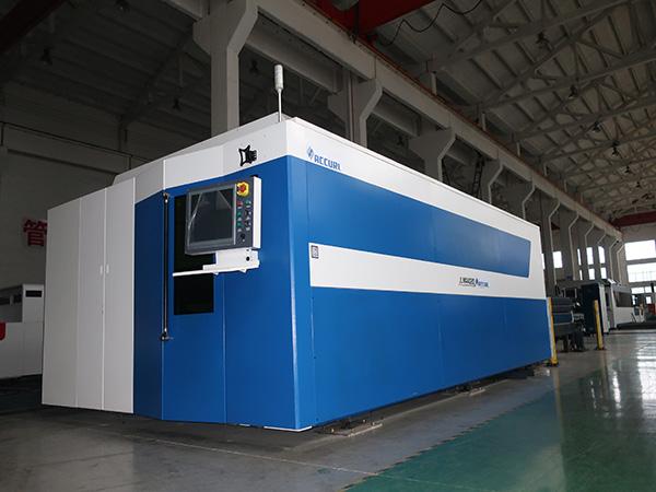 Mașină de tăiat cu laser din fibră CNC 500w 700w 1000w 2000w 3000w oțel ușor / inoxidabil / carbon