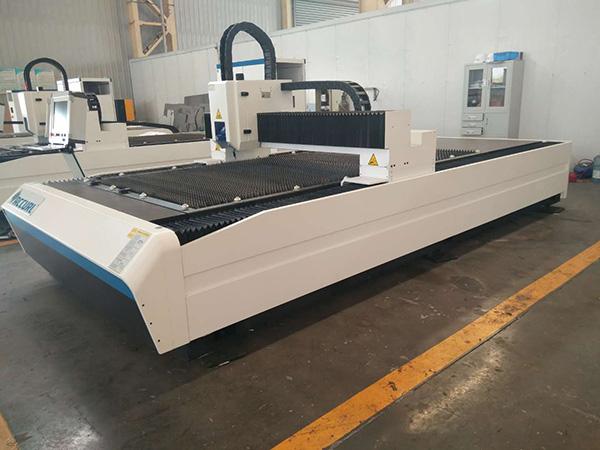 Xina maquinària venda calenta 400W 600W Preu de la màquina de tallar làser CNC de xapa barata