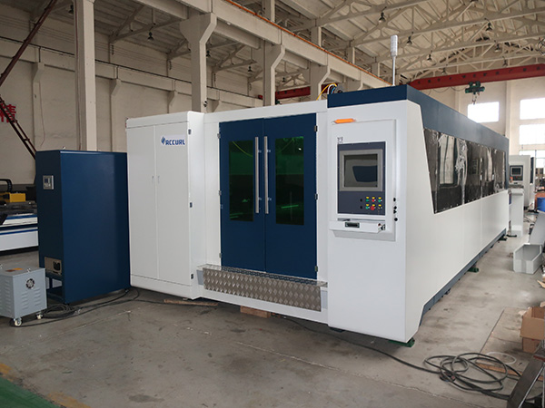 High efficiency 2000w carbon steel fiber laser cutting machine , fiber laser machine for stainless , aluminum