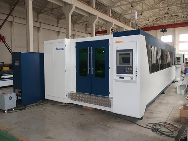 Hoë doeltreffendheid 2000w koolstofstaal vesel laser snymasjien, vesel laser masjien vir vlekvrye, aluminium