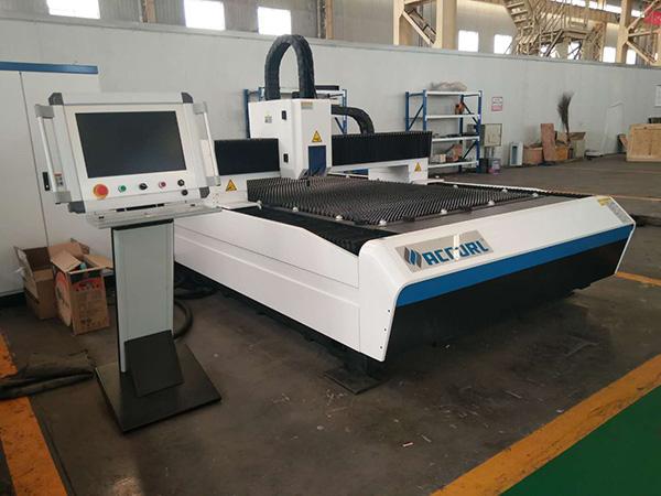 Hot Sale CNC Fiber Laser Cutting Machine Sheet Metal Laser Cutting Machine Price