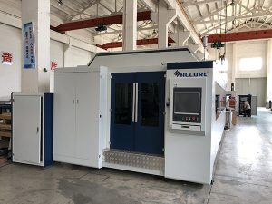 Large power 1000W~4000W fiber laser cutting machine for smooth metal sheet cutting