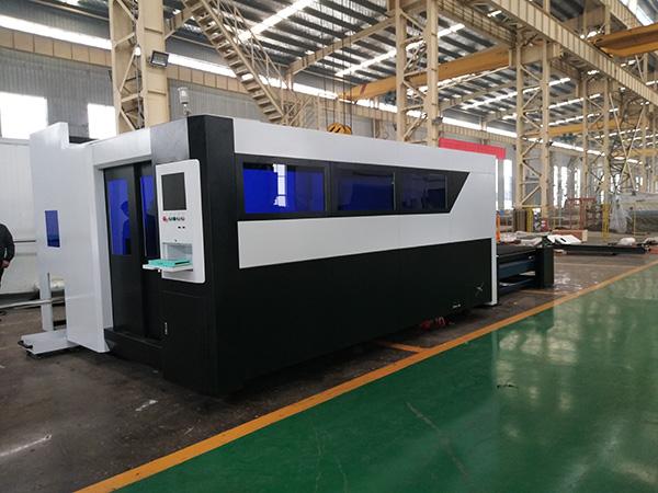 Superior οπτικών ινών λέιζερ χαλκού χαλκού αλουμινίου σιδήρου κοπής μηχάνημα με ανταγωνιστική τιμή