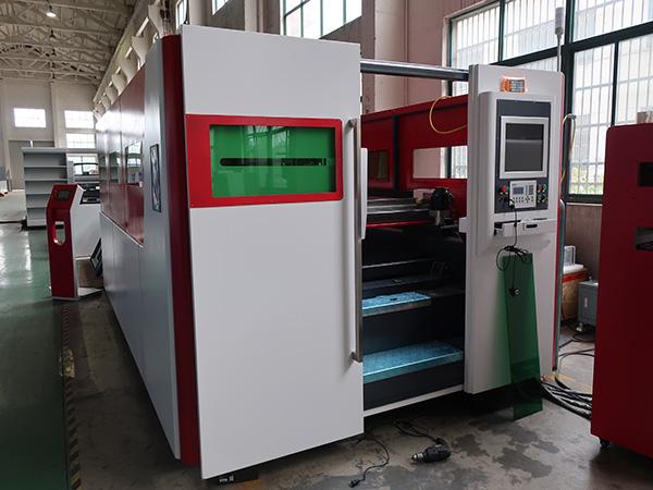 ZY 1530High power laser cutting machine