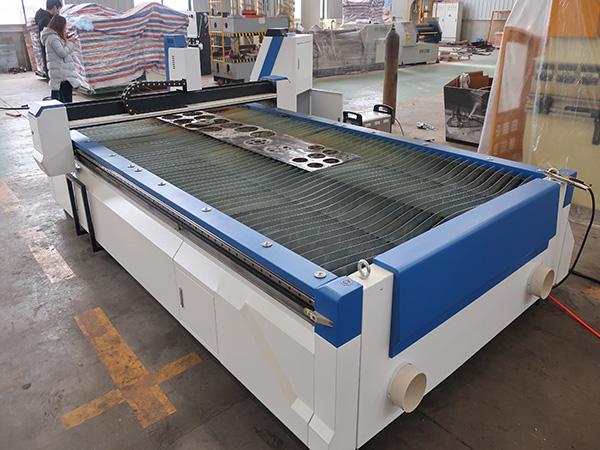 Kohlenstoff-Blech-Edelstahl-CNC-Plasma-Schneidemaschine