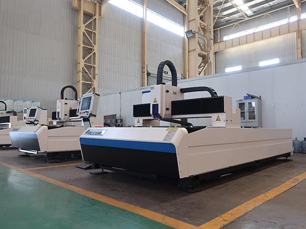 آلة القطع بالليزر بالليزر CNC